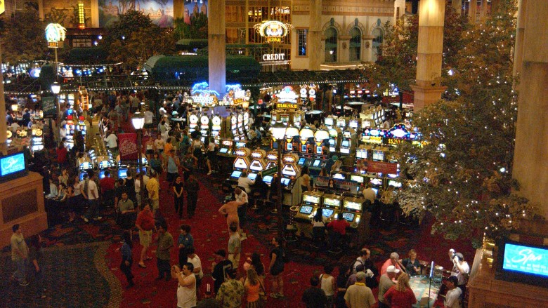 How To Buy A Poker Table Poker Table Buying Tips